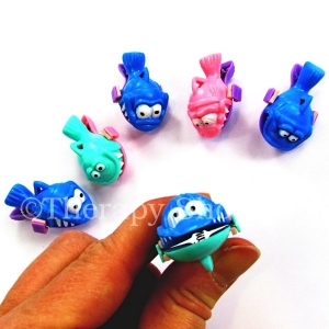 6 Rainbow Fish Clips